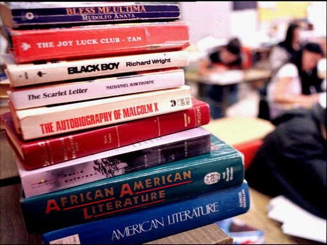 April 5 is School Librarian Day!