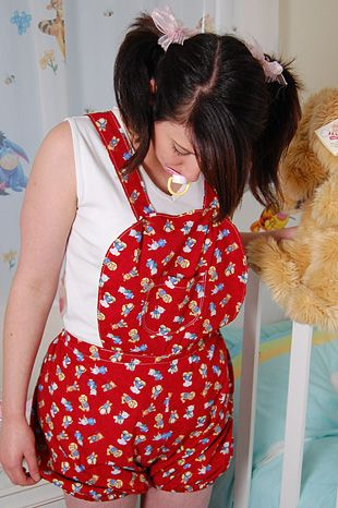 Adult baby clothing style