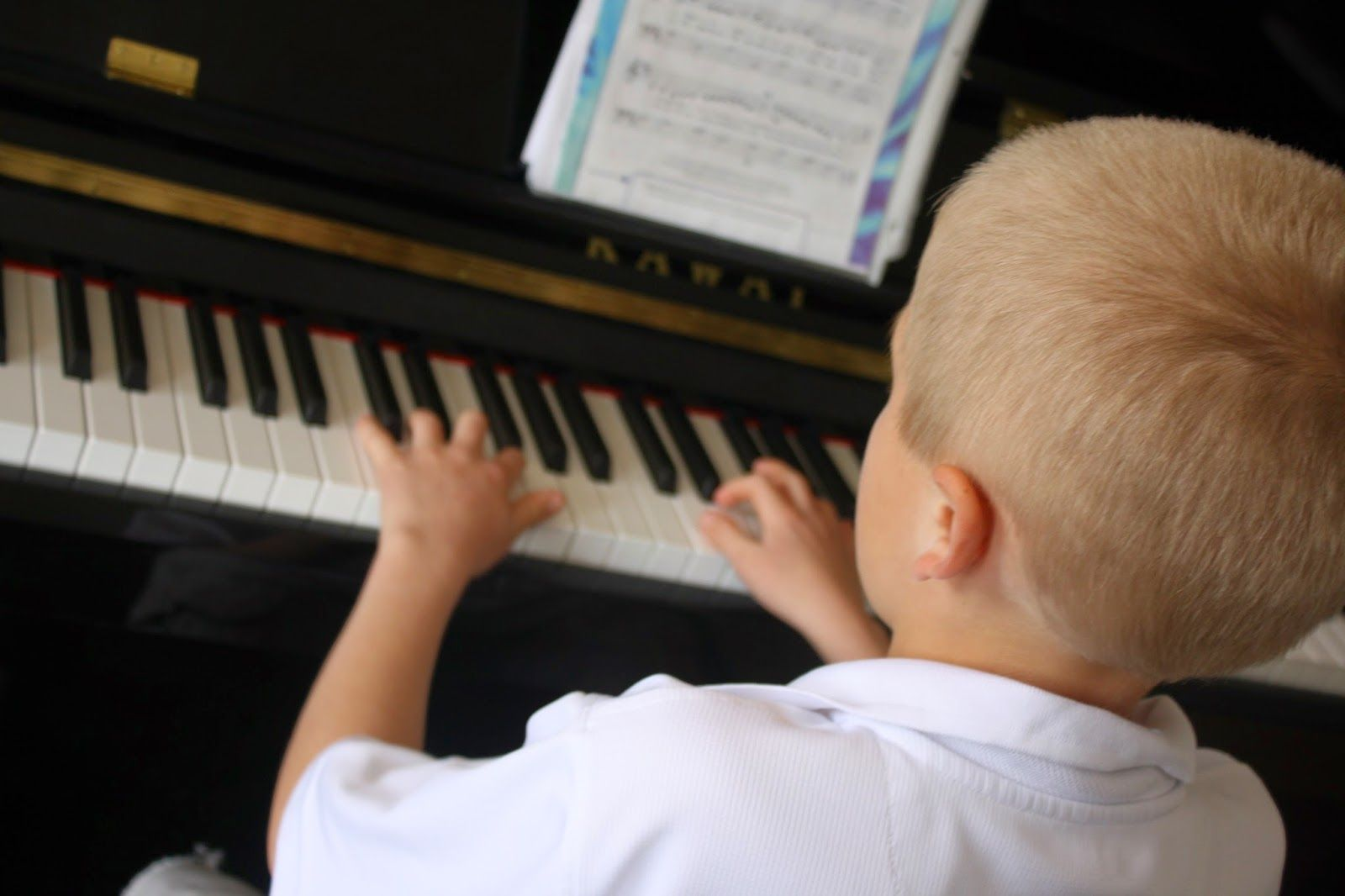 Cute ideas for teaching music to young children and toddlers.  Especially helpful for LDS nursery music leaders who teach Primary songs to kids in nursery.