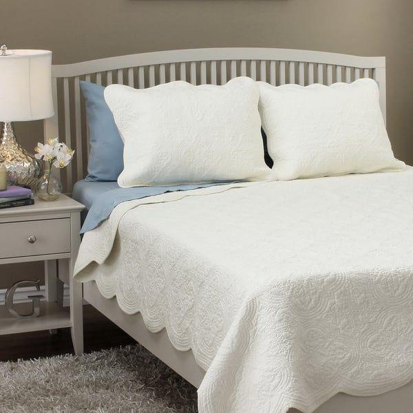 blantyre scalloped edge cotton 3piece quilt set