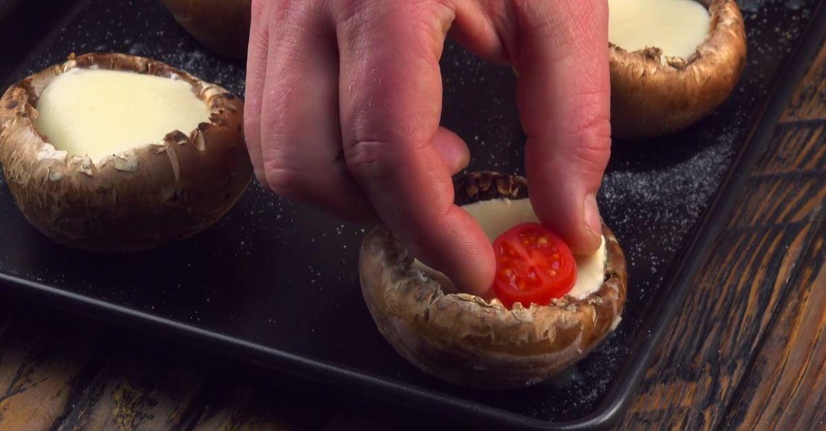 Pilze alla caprese: Dieses Pilzrezept schmeckt nicht nur im Herbst.   – Snacks und Kuchen