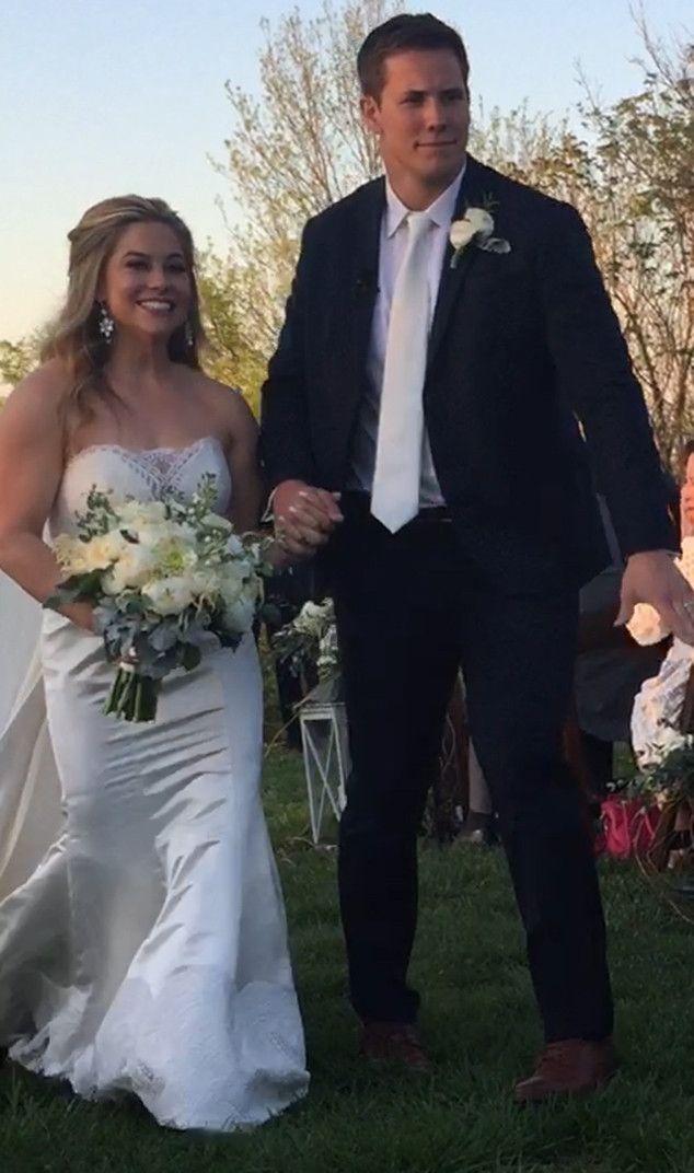 Shawn Johnson Wedding.Olympic Gymnast Shawn Johnson Marries Andrew East Blushing Brides