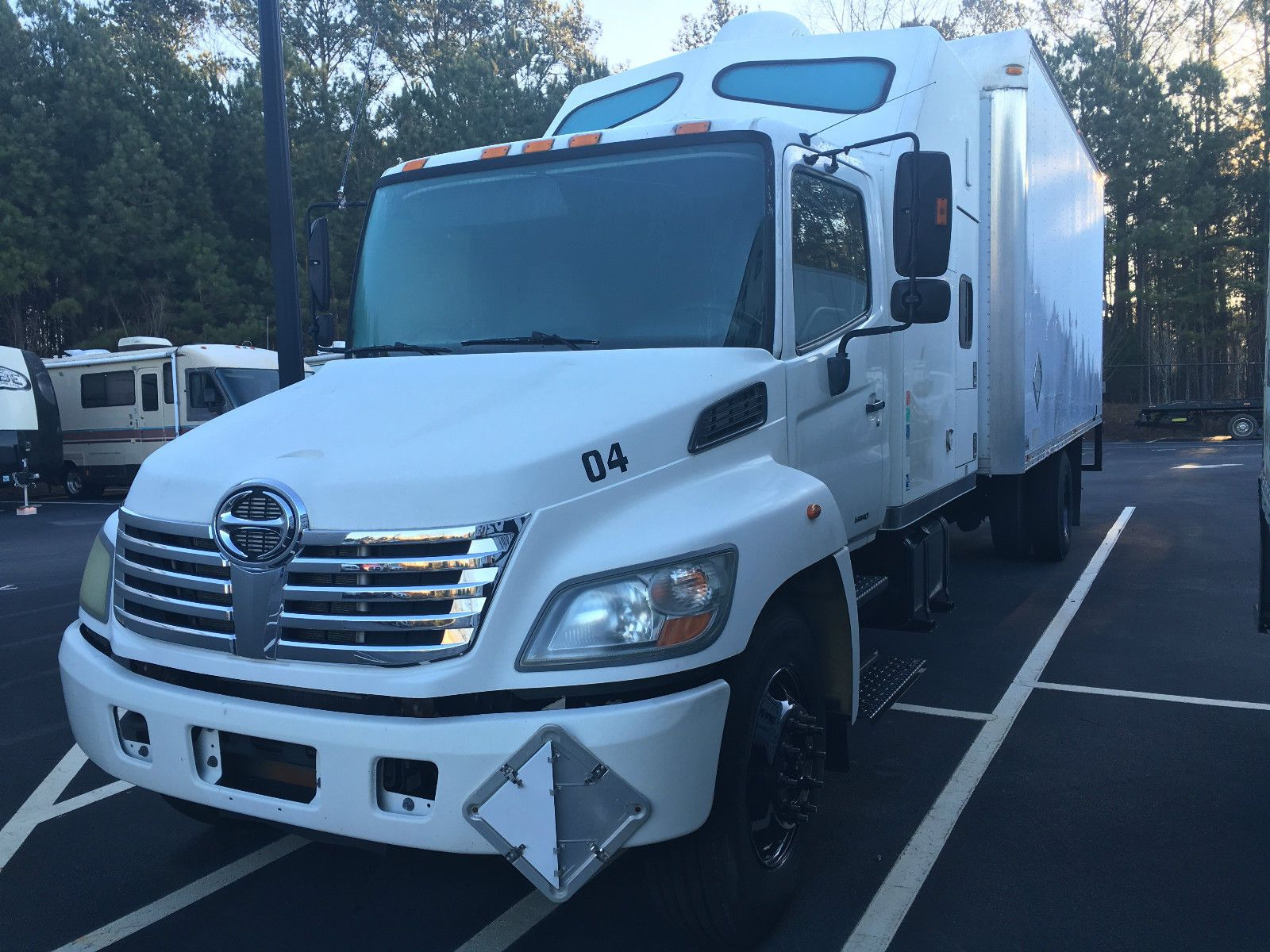 2007 hino 338 box straight truck w double bunk sleeper for sale