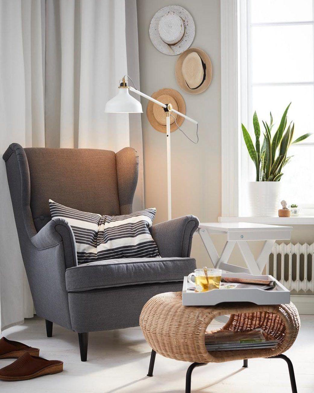 Ikea France On Instagram Le Saviez Vous Le Fauteuil Strandmon Figurait En Couverture De Notre Premier Catalogue En 2020 Salons Lumineux Pouf Rangement Chaise Ikea