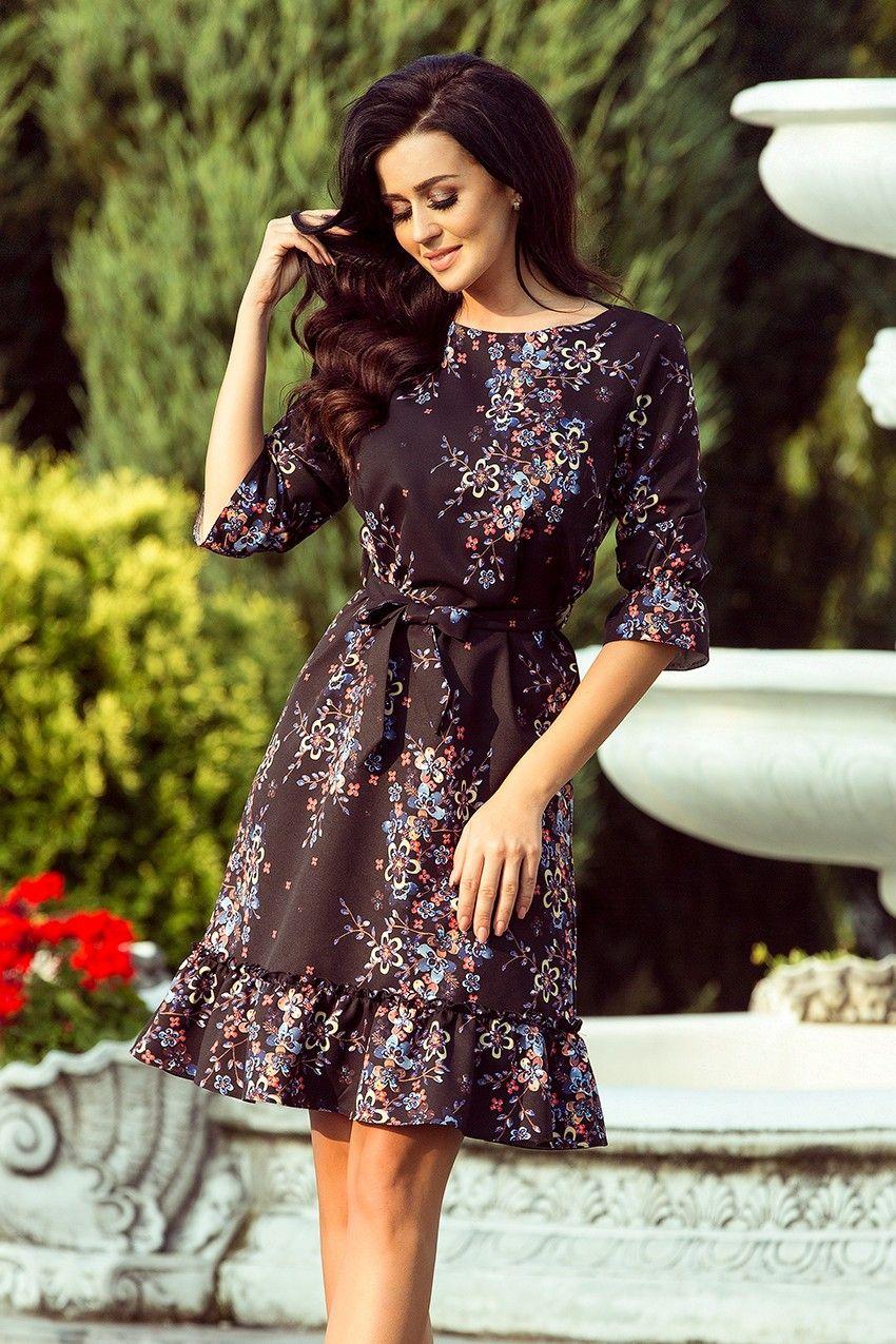 ce99e6a6c2 Piękna sukienka w kwiaty idealna na jesienne dni. Delikatnie rozkloszowany  dół i rękawy dodaje kreacji dziewczęcego uroku