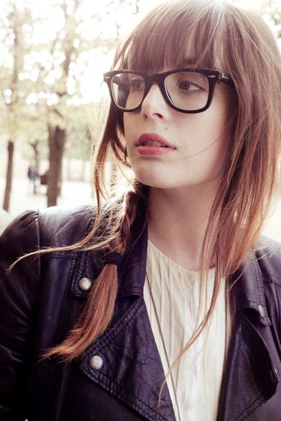 Love this French girls style. ESP. The glasses | for the body ...