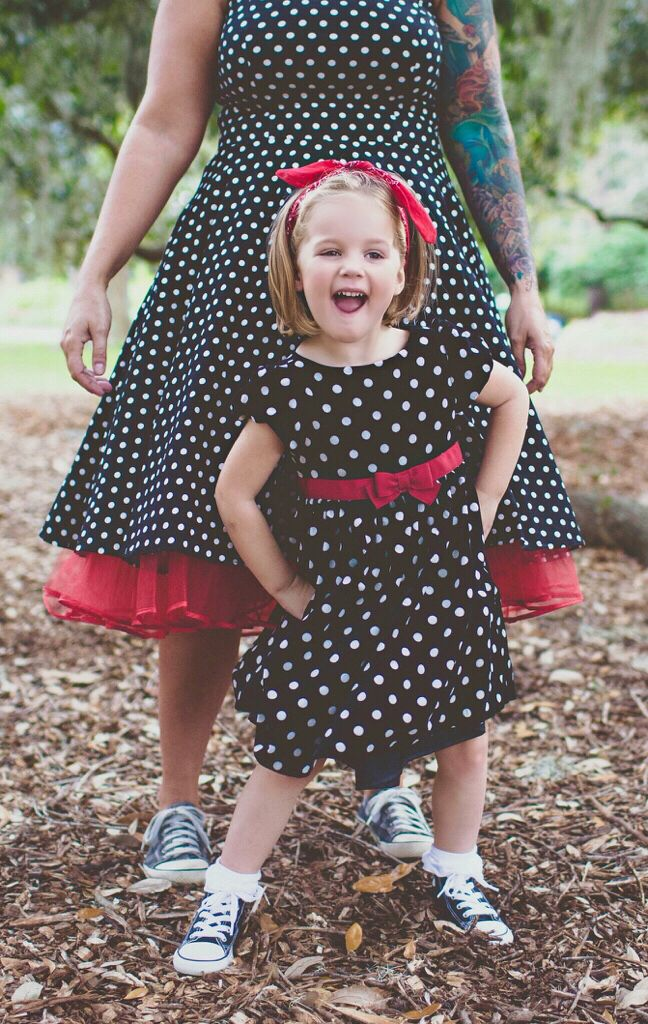mother daughter photography pinup vintage 50s dress