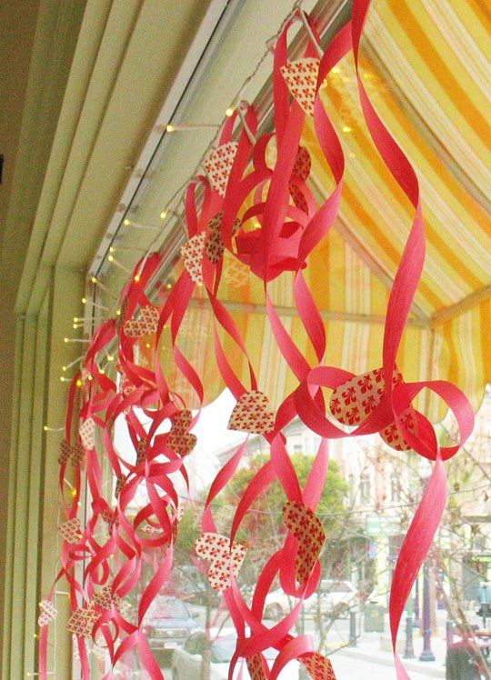 How To Craft a Bouncy, Curly Valentine Garland | DIY Valentine ...