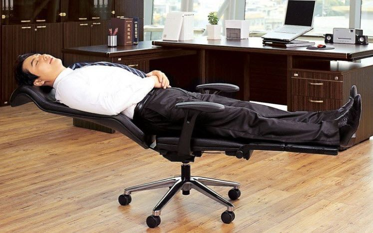 Lay Flat Office Chair Can Turn Into A Functional Cot Reclining Office Chair Office Chair Napping At Work