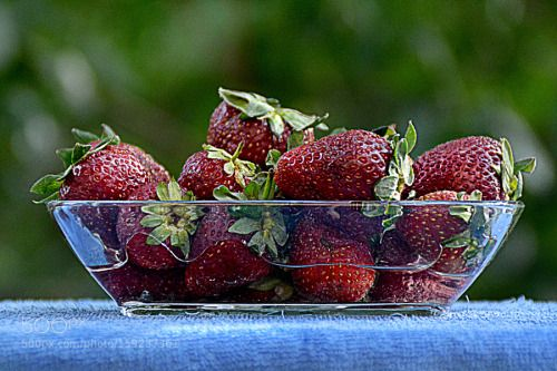 Strawberry by methyigit  IFTTT 500px