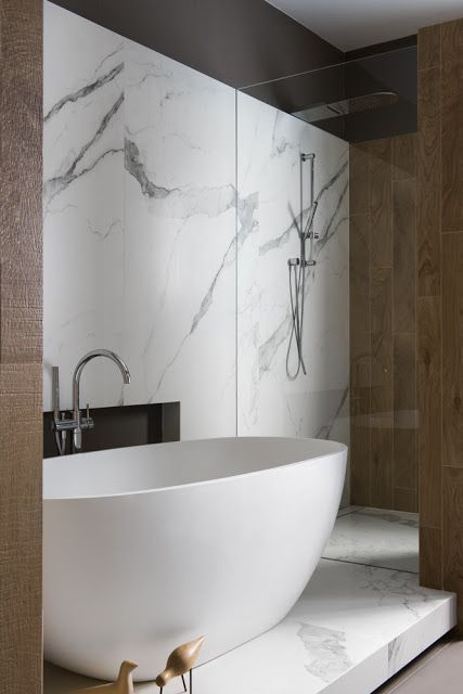 Super Simple Yet So Sophisticatedfree Standing Tub On A Bed Full Impressive Free Bathroom Designer Inspiration
