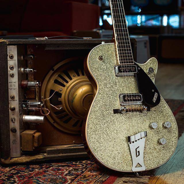 Fender Guitars Window Sticker Fender Guitar Picks Heavy #guitarpicks #guitarlegend #FenderGuitars #fenderguitars