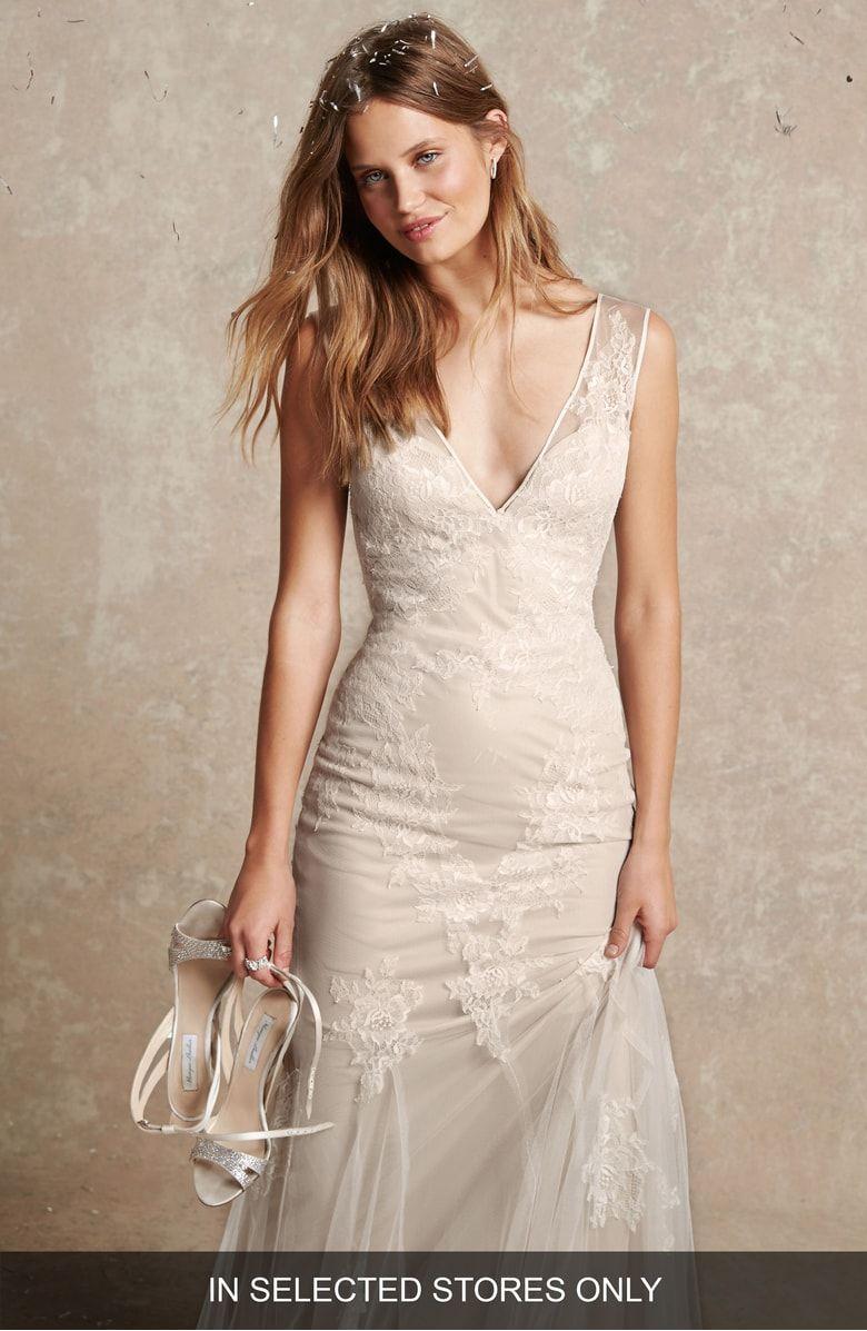 Bliss Monique Lhuillier Chantilly Lace Tulle Gown Wedding Dresses Monique Lhuillier Wedding Dress Colored Wedding Dresses