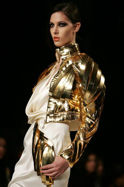 gold.quenalbertini: Belleza Guerra
