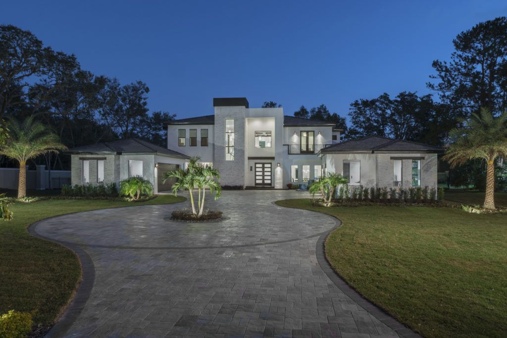 Florida Modern Home designed and built by Orlando Custom
