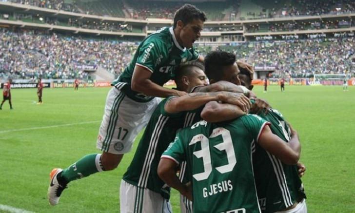 Palmeiras estréia com goleada sobre Atlético-PR: 4 a 0