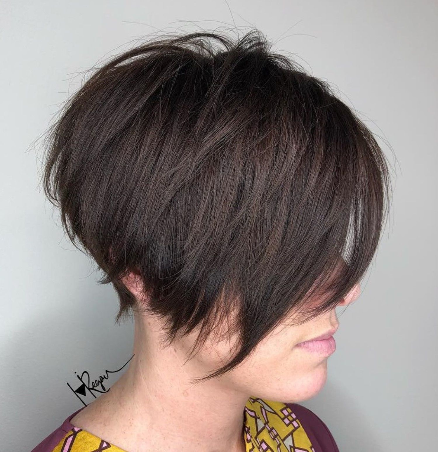Jagged Pixie With Long Side Bangs Short Shag Hairstyles Short Hair With Layers Shag Hairstyles