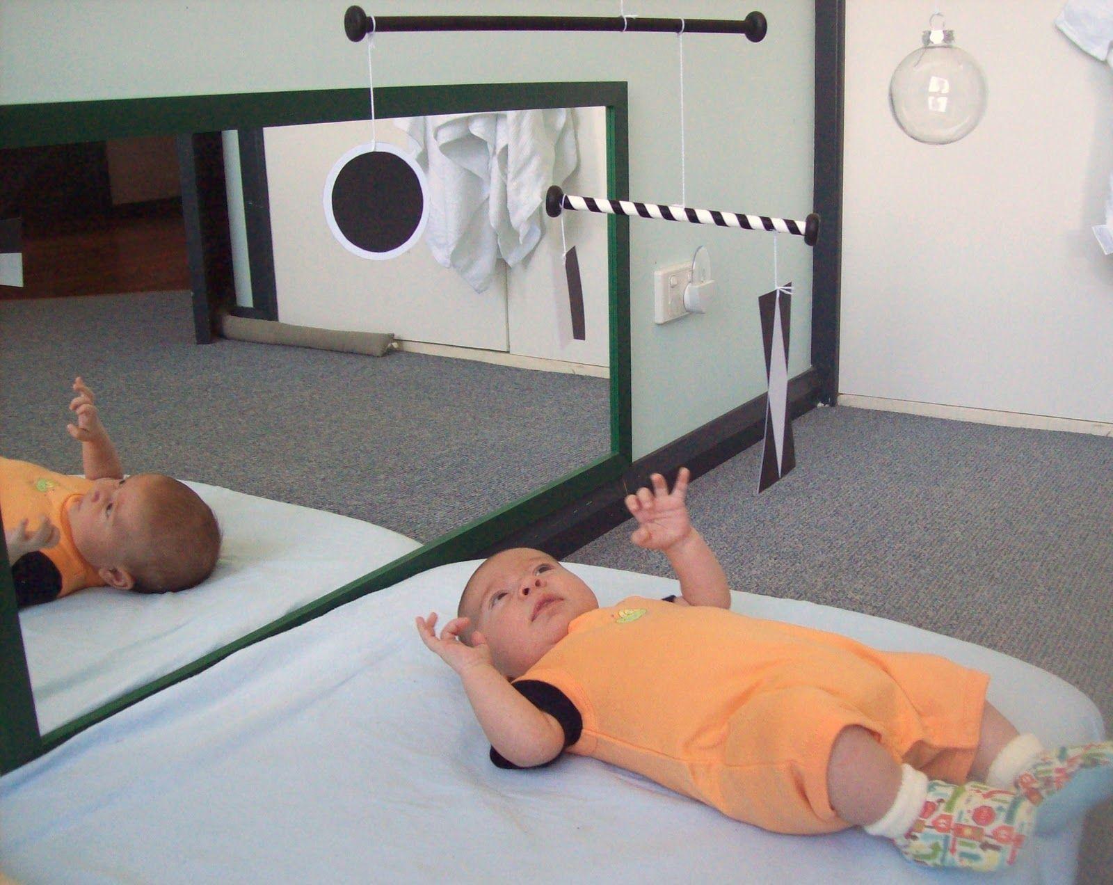 jeux montessori pour enfants de 0 6 mois my baby. Black Bedroom Furniture Sets. Home Design Ideas