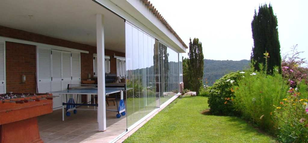 Si desea instalar un cerramiento de terraza con cristal a for Precio cerramiento terraza