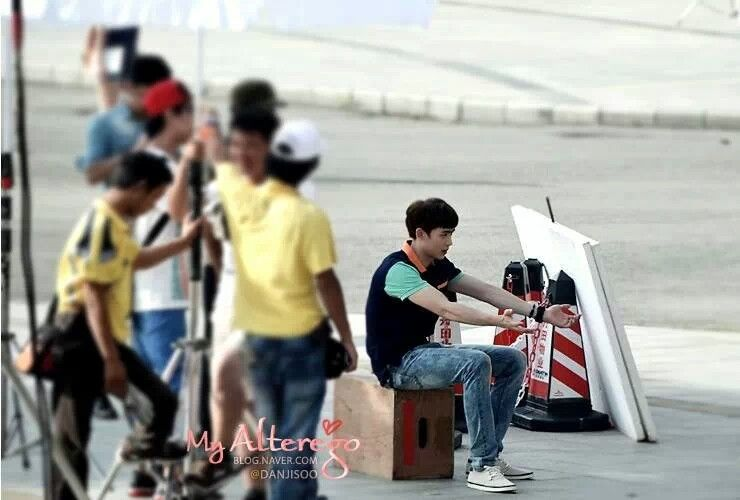Nichkhun Filming One And A Half Summer Chinese Drama
