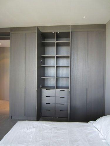 Armoire de chambre contemporaine   en bois   à porte battante PADOU