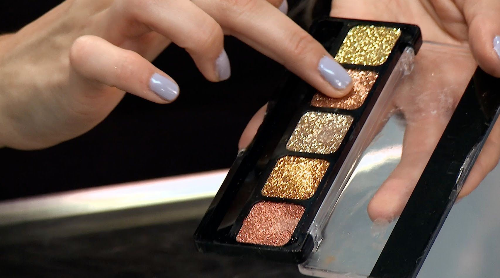 Best Ways To Use Glitter Eyeshadow Glitter eyeshadow