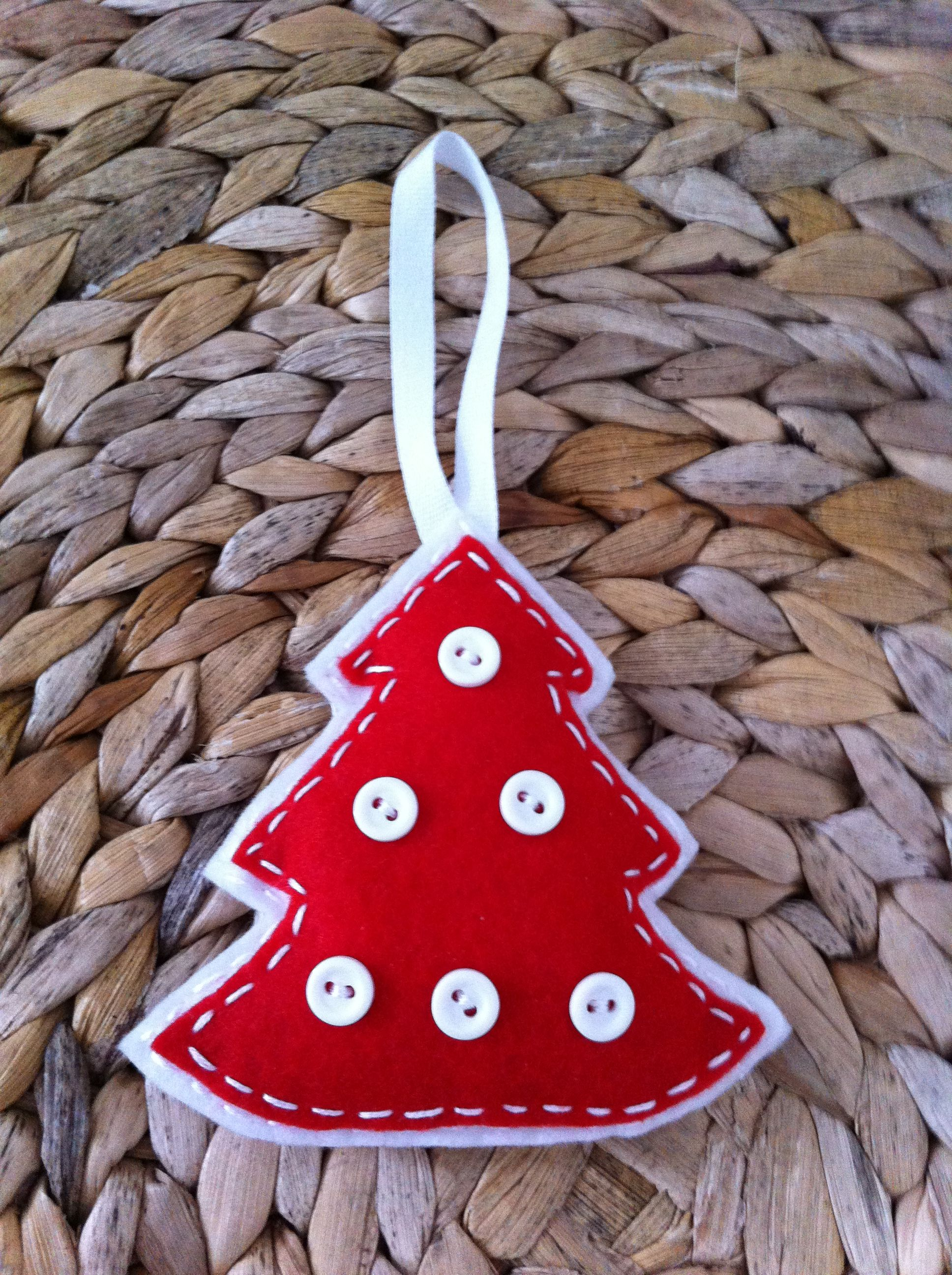 Red white christmas tree felt ornaments pinterest for White tree red ornaments