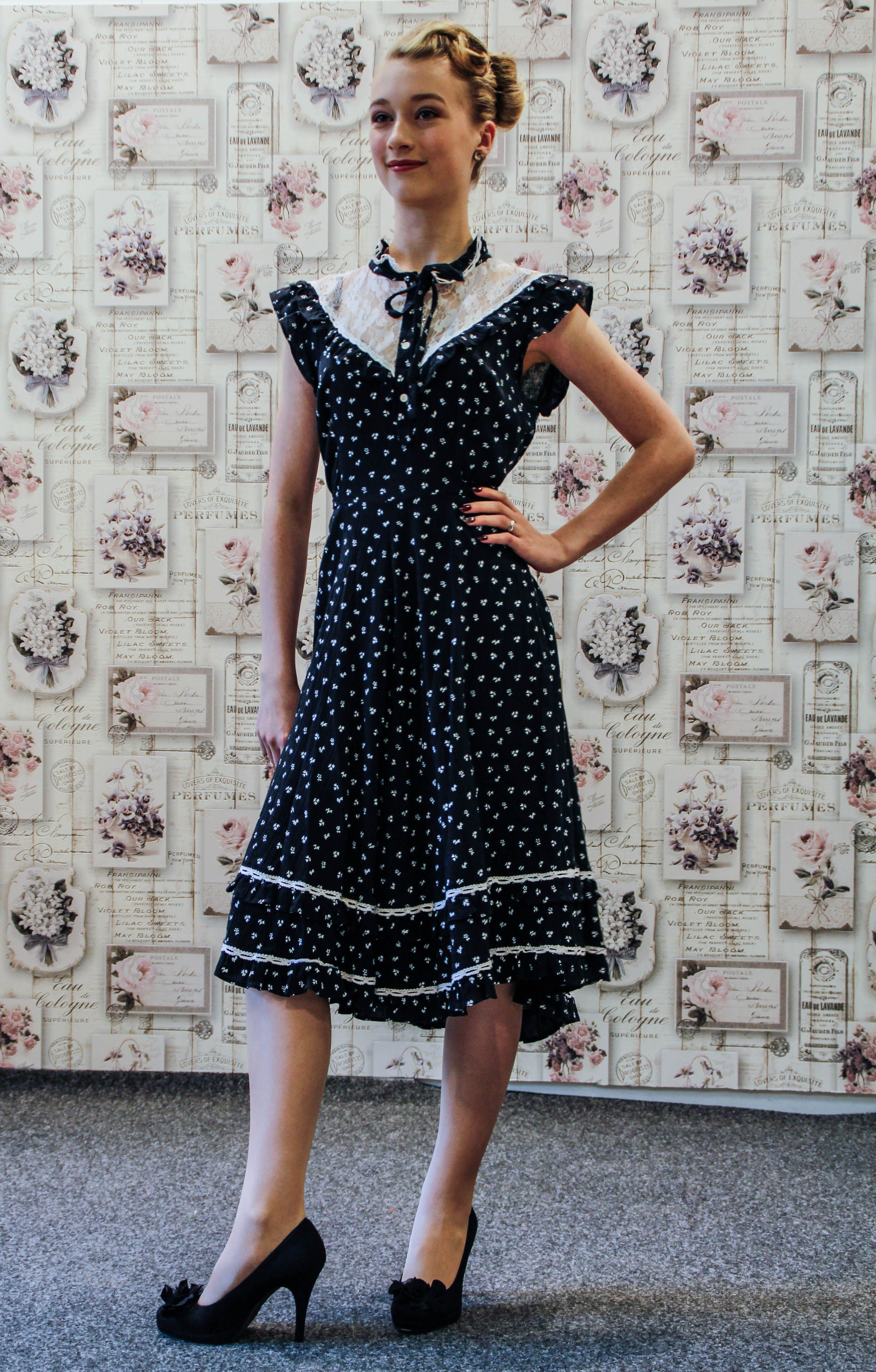 267e483df3cbf1 True Vintage Kleid blau weiß 40er Jahre | Vintage Mode in 2019 ...