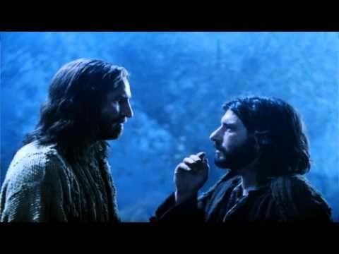 Es la historia de dos amigos, Jesús y Judas, eran amigos de