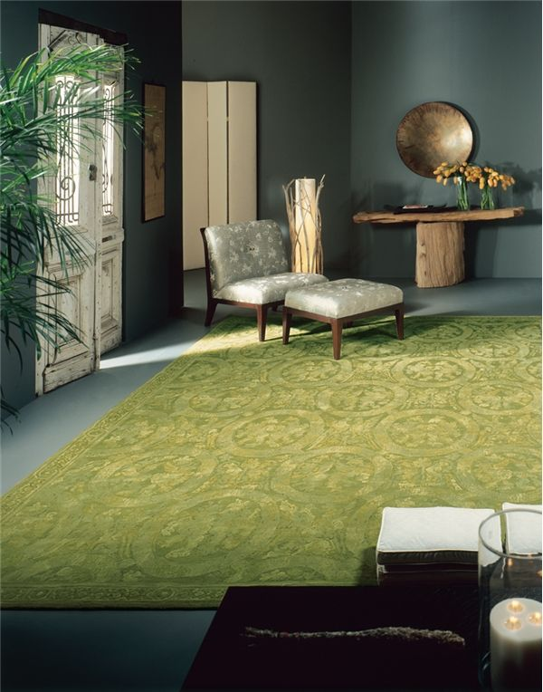 """11 Ways to Decorate with Green Rugs and Pantone 2017 Color """"Greenery ..."""