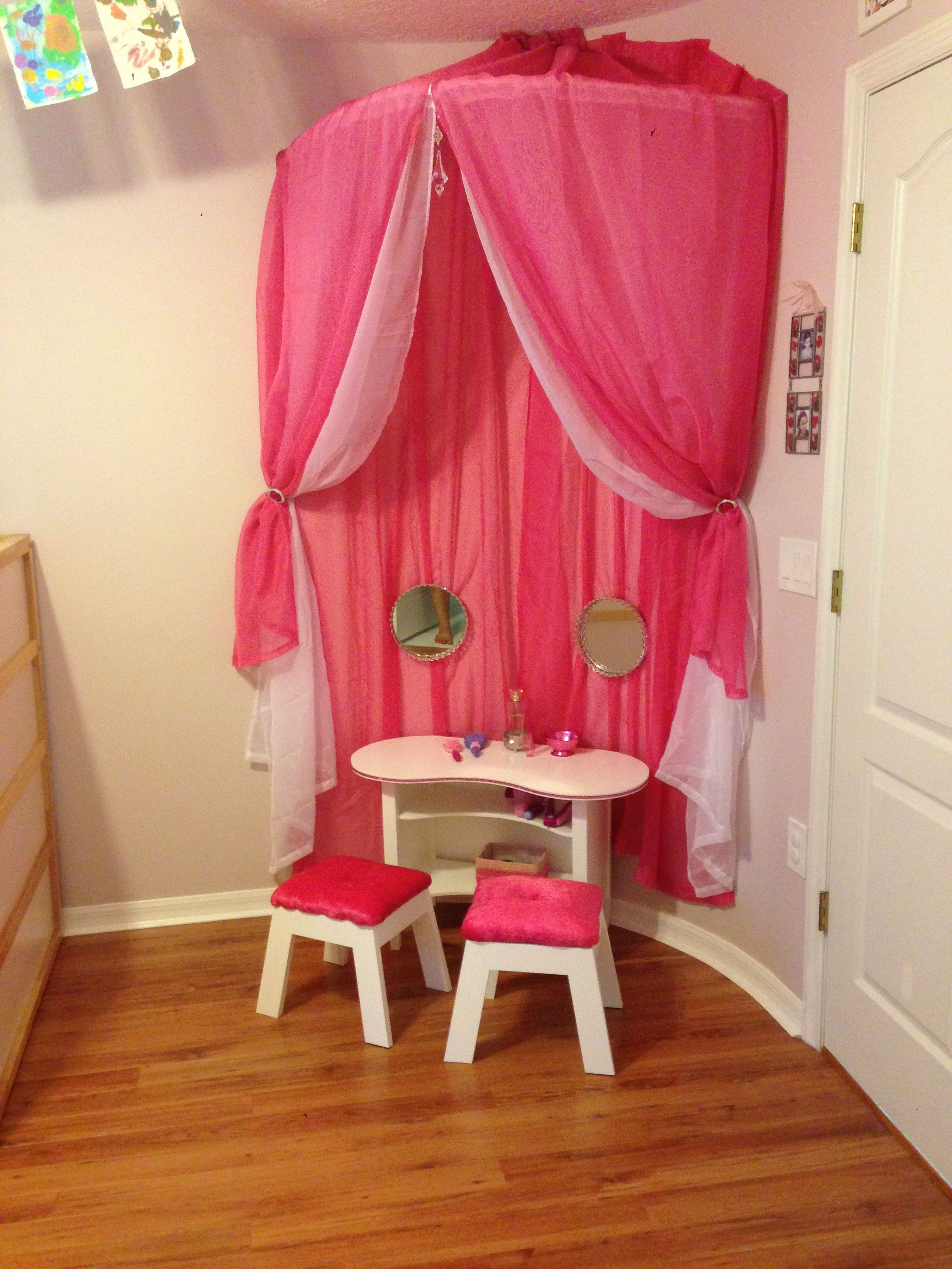 over the drinks table diy pinterest girls vanity vanities and room. Black Bedroom Furniture Sets. Home Design Ideas