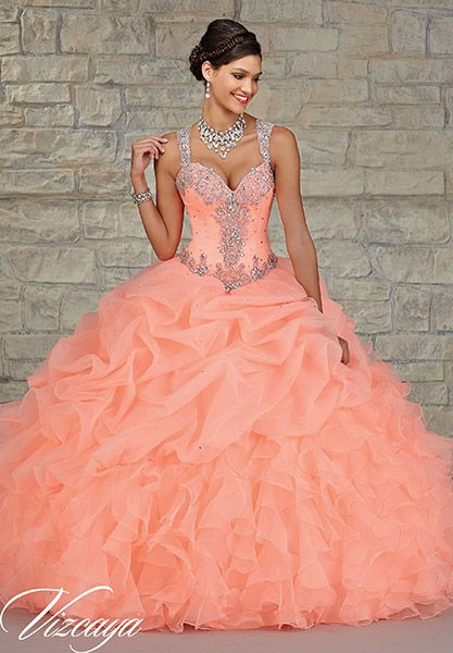 426ad68725a ... Ruffles Beaded Crystals Long Quinceanera Gowns Vestidos. Resultado de  imagen para quinceañeras de piel morena con vestidos largos