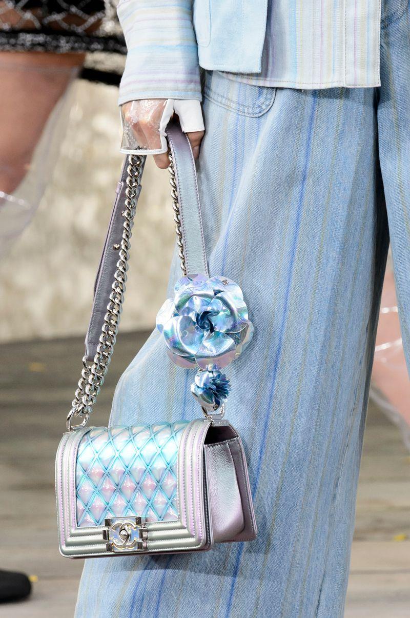8177f7a43d7a 47 интересных сумок на неделе моды в Париже | Buro 24/7 | Сумочки ...
