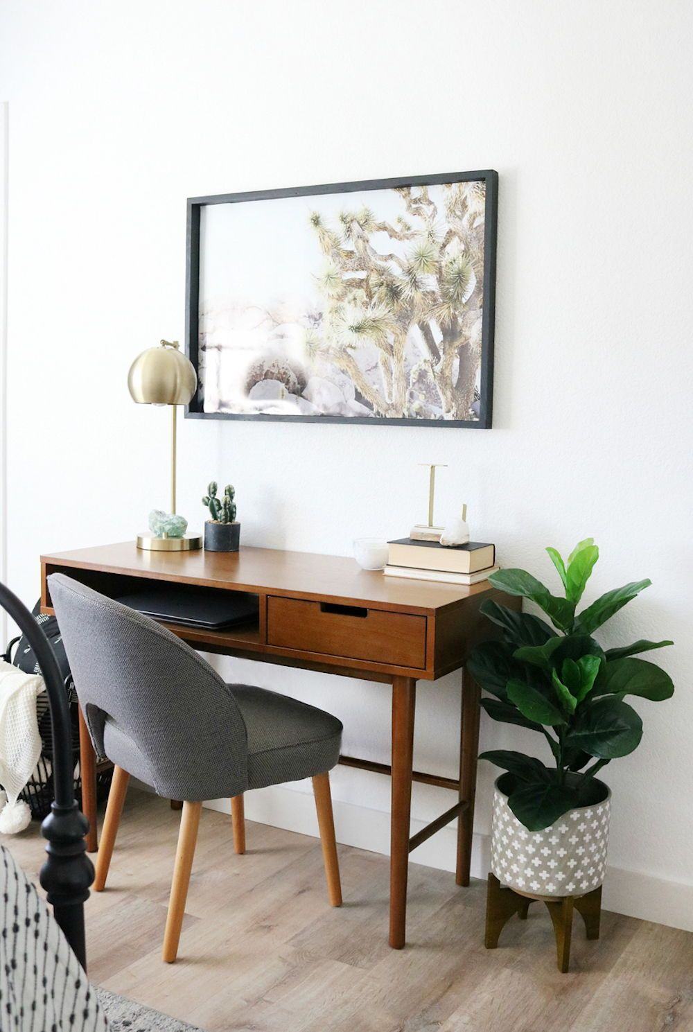 Better Homes Gardens Flynn Mid Century Modern Desk Multiple Colors Walmart Com Desk In Living Room Mid Century Modern Desk Home Office Design