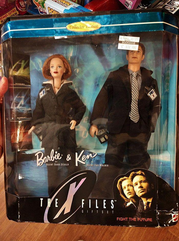 People-Share-Weird-Thrift-Store-Finds #thriftstorefinds