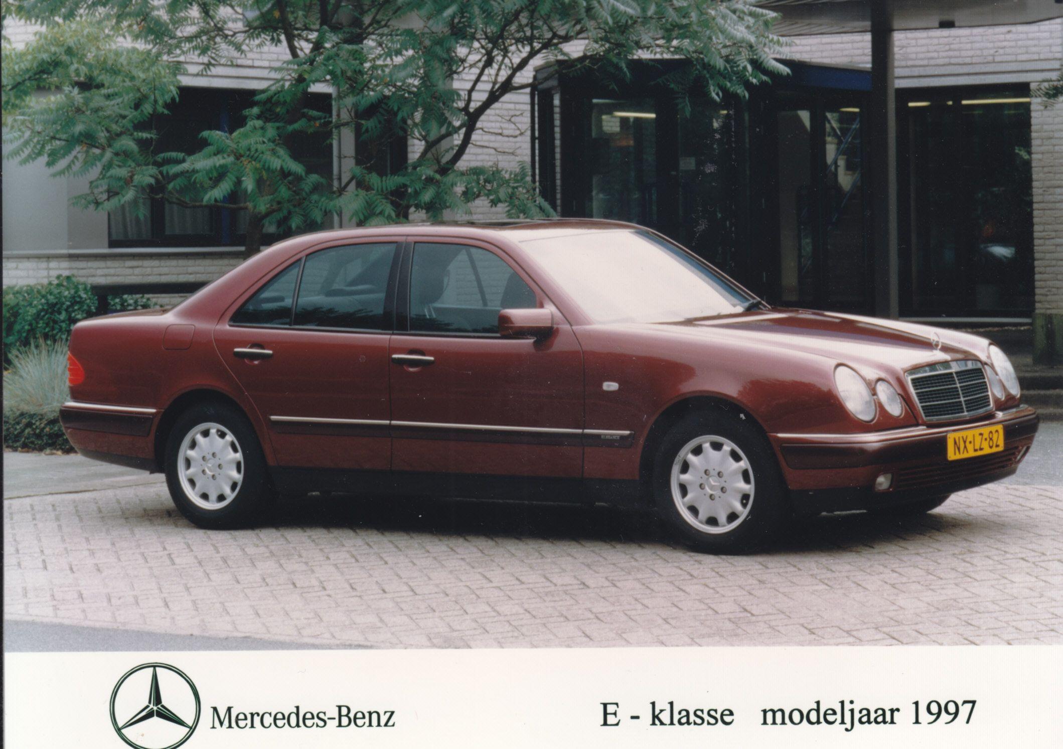 hight resolution of mercedes benz e class dutch rai 1997