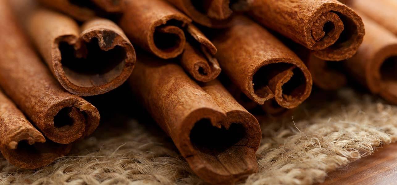 Diy cinnamon lip plumper 15 simple recipes to get fuller