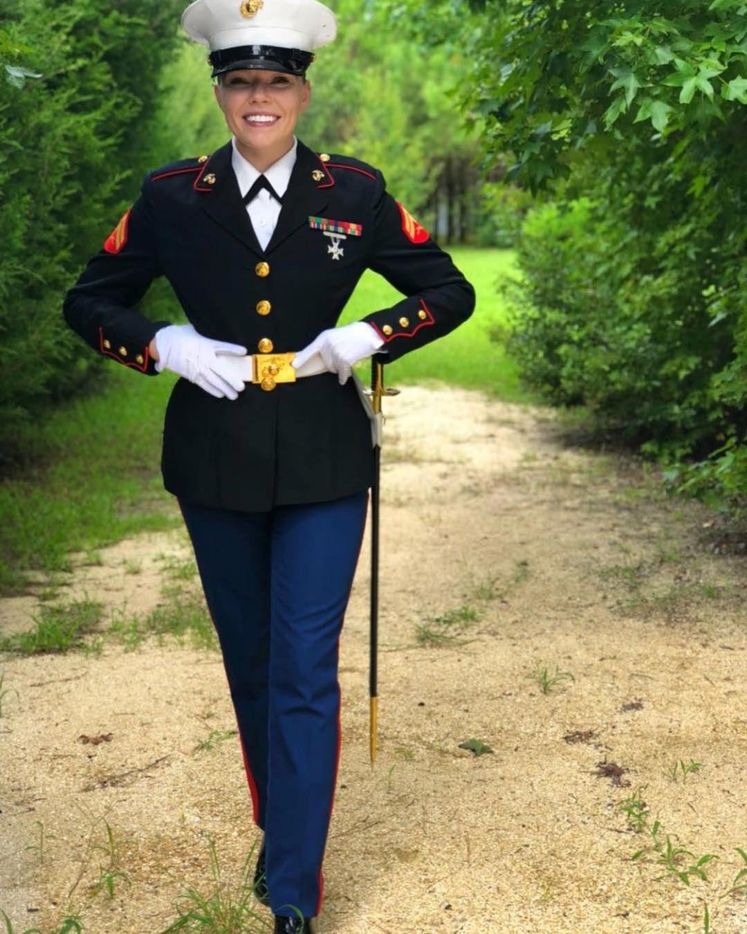 Marine Corps Beauties On Instagram Wcw Akabitchell Marinecorpsbeauties Femalemarines Femalemarine Femal Marine Corps Female Marines Military Marines [ 1350 x 1080 Pixel ]