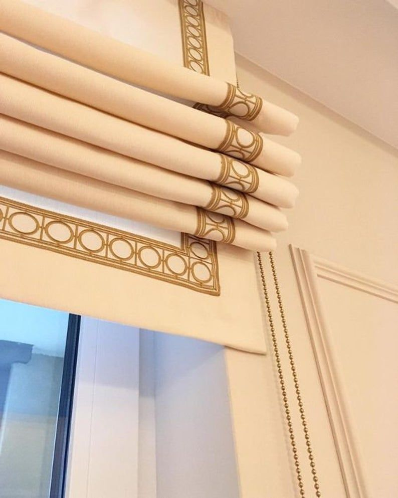 Greek Key Trim Looks Amazing On This Simple Box Pleated Drapery Panel We Also Love The Thin Silver Rod Hardware And Modern Curtain Trim Drapery Designs Blinds