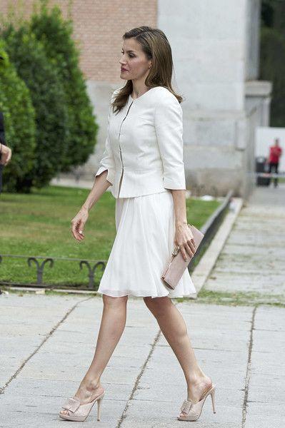 Skirt:Felipe Varela Jacket:Hugo Boss Shoes:Magrit