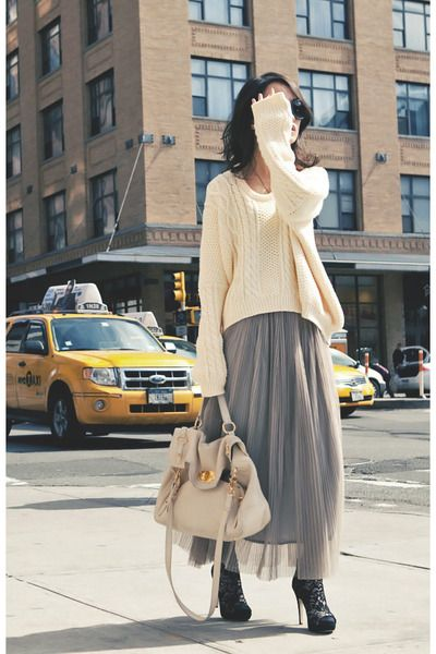 444a4715b LOVE it! Loose knit sweater over flowy/maxi skirt/dress with ankle ...