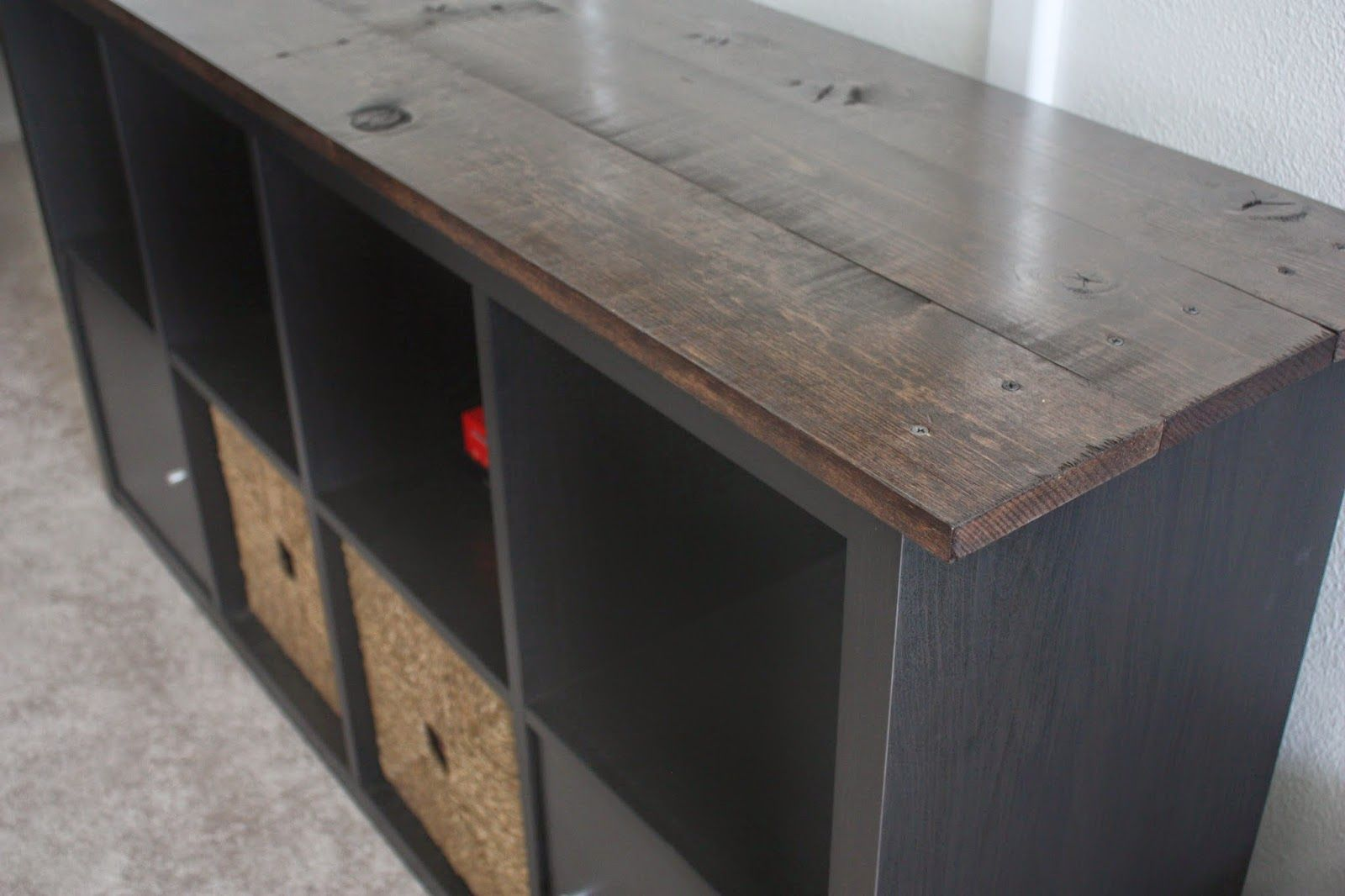 ikea kallax hack ikea expedit hack very easy and small change to spruce up this old tv stand. Black Bedroom Furniture Sets. Home Design Ideas