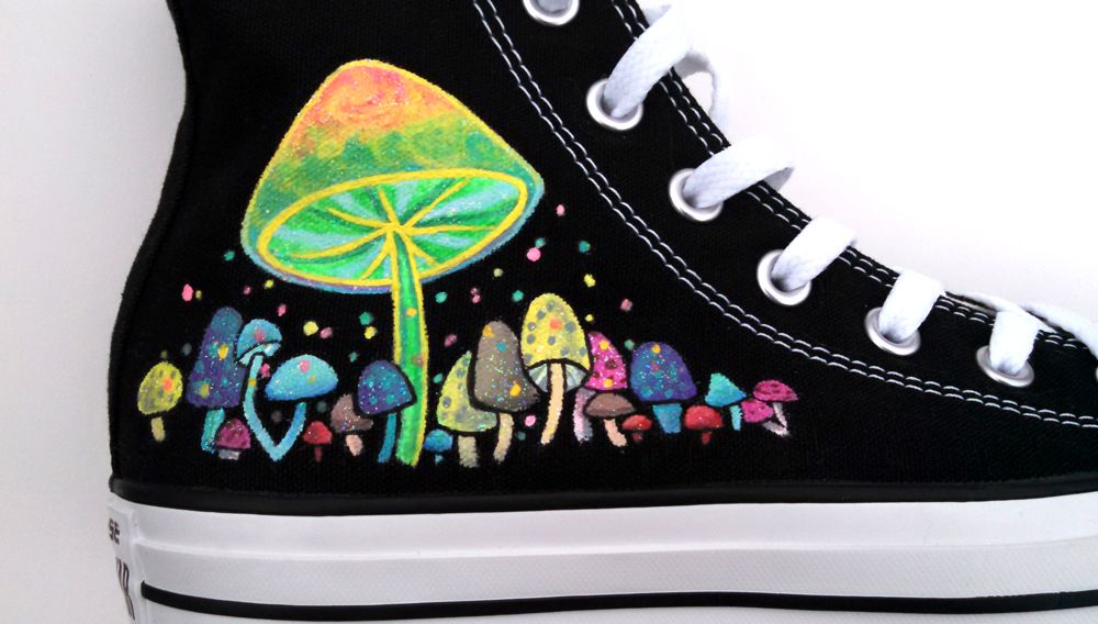 e0c1ccdfc881 Hand painted converse shoes featuring paras and psychedelic mushroom  design. THEY ARE SPARKLY AND GLOW IN THE DARK!     Customized commissions  available at ...