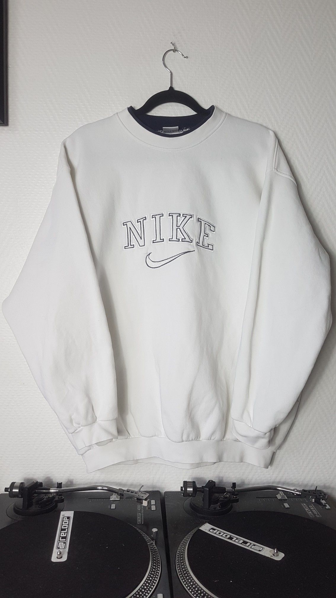 Sweat Nike Vintage In 2020 Vintage Crewneck Sweatshirt Vintage Nike Sweatshirt Retro Outfits