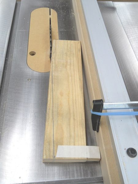 how to make a taper cut on a table saw