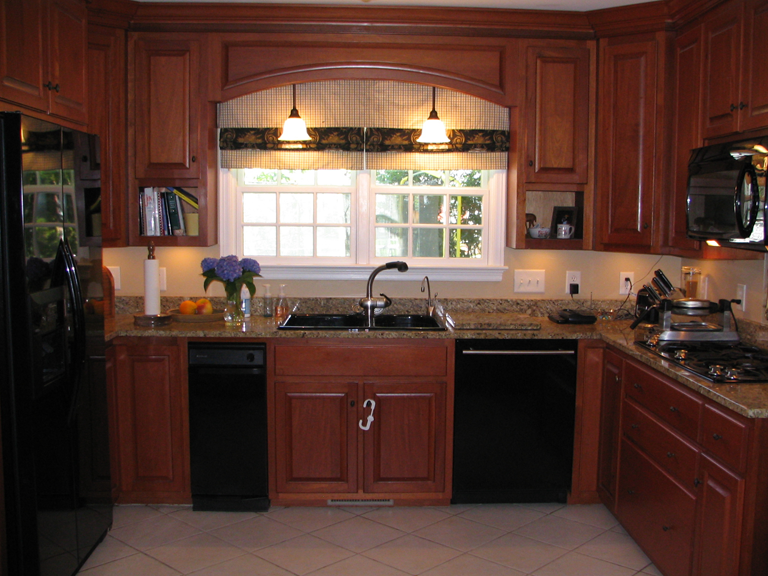 Pictures Of Kitchens With Maghoney Stained Cabinets Custom Mahogany Kitchen Cabinets Fully