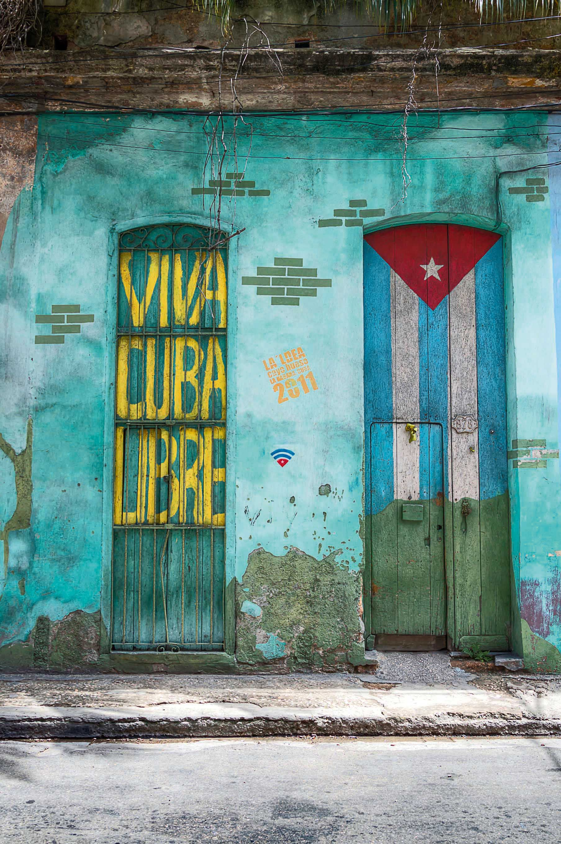RA August 2016. Time to visit Cuba. Patriotic graffiti. PHOTO: istock #royalauto #cuba #havanacuba #visitcuba