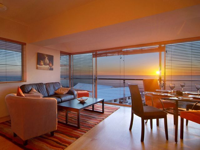 Holiday Rental  in Camps Bay for 4 People: 270 DEGREES | Winter Specials at ZAR1,200 / Night