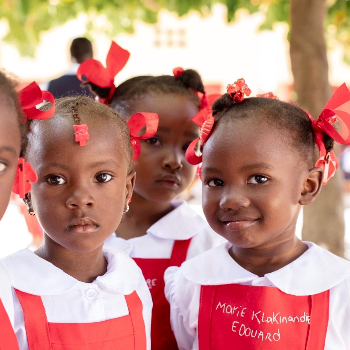 School children on set of our shoot for Konbit/Papyrus in Quartier Morin. So fun to identify images from all over the country that pick up the red of our red color story. ❤️ #creatives #creativeminds #eyephotography #photographer #photographycompany #ayashamedia #mediacompany #haiti #haitianphotography  #PhotographyEveryday #Photogram #JustGoShoot #InstaPhoto #WorldBestGram #PhotographySouls #PhotoOfTheDay