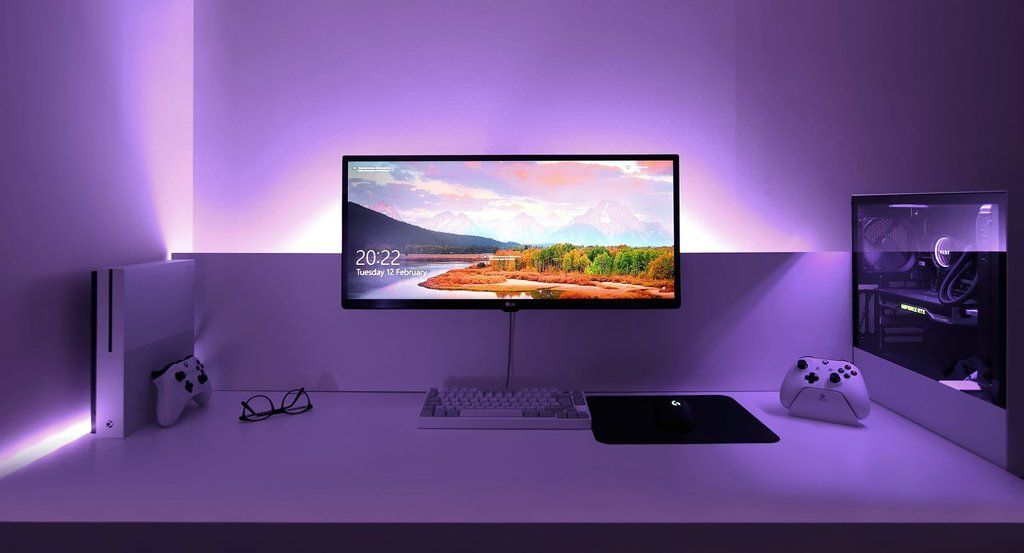 Great Black And White Setup Simple Computer Desk Computer Setup White Desk Setup